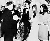 LAS VEGAS, NV - NOVEMBER 10 – Elvis and Priscilla Presley Wedding at the Aladdin Hotel, Las Vegas, Nevada, on November 10, 1997. - Stock Image - EGFR0X