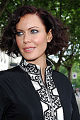 Linzi Stoppard models the world's most expensive abaya. The diamond-encrusted Islamic dress, designed by couture designer - Stock Image - C0H18K