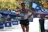 Ghirmay Ghebreslassie of Eritrea crosses the finish line to win the men's field of the 2016 New York City Marathon in Central Park in the Manhattan borough of New York City, U.S. November 6, 2016.  REUTERS/Mike Segar - Stock Image - H9TWEY