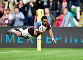 London, UK. 8th October, 2016.  Alofa Alofa of Harlequins scored a try during Aviva Premiership Rugby game between Harlequins and Northampton Saints at Twickenham Stoop on Saturday. © Taka Wu/Alamy Live News - Stock Image - H3GMXG