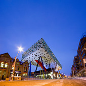 Toronto Ontario - Will Alsop's Sharp Centre for Design building, College of Art and Design, at dusk in winter. OCAD - Stock Image - A3YN0M