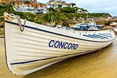 Boats in the picturesque harbour of Newquay in Cornwall, UK - Stock Image - HEYKJ9