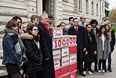 London, United Kingdom. 21st November 2017.Peter Dowd MP, Labour's Shadow Chief Secretary to the Treasury and Andrew Gwynne MP, Labour's Shadow Secretary of State for Communities and Local Government deliver Labour's 'Make Homes Safe' Petition to the Treasury. Credit: Peter Manning/Alamy Live News - Stock Image - KJ2404