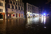 Luebeck, Germany. 04th Jan, 2017. A flooded street in Luebeck, Germany, 04 January 2017. The Federal Maritime and Hydrographic Agency (BSH) forecast storm tides along the German Baltic coast with water levels rising to 1.5 meters above average. Photo: Bodo Marks/dpa/Alamy Live News - Stock Image - HG6EJ5