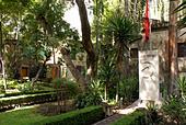the-tomb-of-leon-trotsky-and-natalia-sed