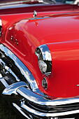 the-front-end-of-the-1950s-buick-with-ch
