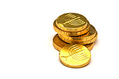 chocolate-gold-coins-wrapped-in-gold-foi